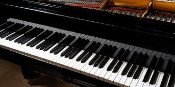 პიანინოს, როიალის და სეიფების ასევე ბანკომატების გადაზიდვა